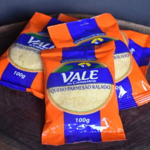 Kit Queijo Parmesão Ralado Vale da Canastra 10 pc de 100 g
